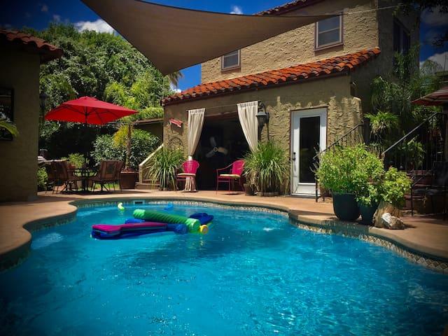 Private Guest Quarters in Deco Dist - San Antonio - House