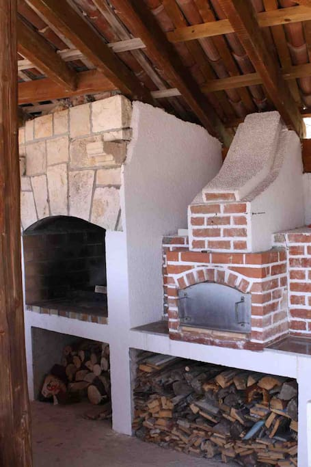 Stone oven for pizza and other and barbeque - fireplace