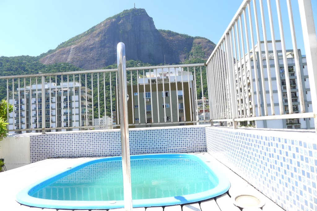 2nd floor - outside area w/ pool and view to the Christ the Redeemer (Cristo Redentor)