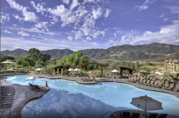 Full-Service Waterpark Villa, Hot Tub + MORE