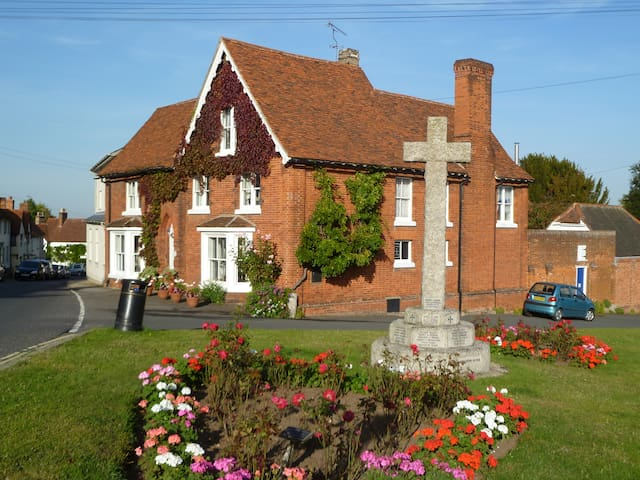 Bucks House - Historic Grade II listed house - Great Bardfield - Bed & Breakfast