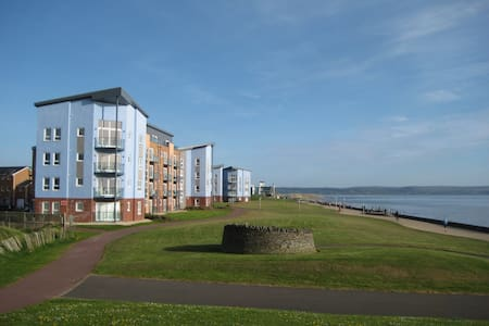 Luxury Beachfront Penthouse - Llanelli