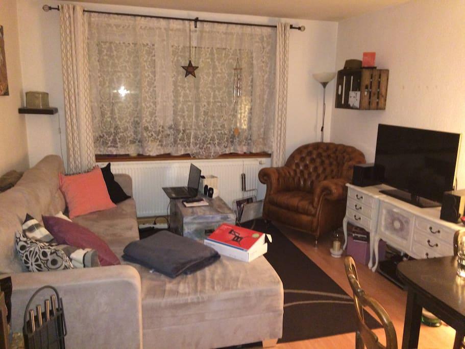 Living Room- Wohnzimmer