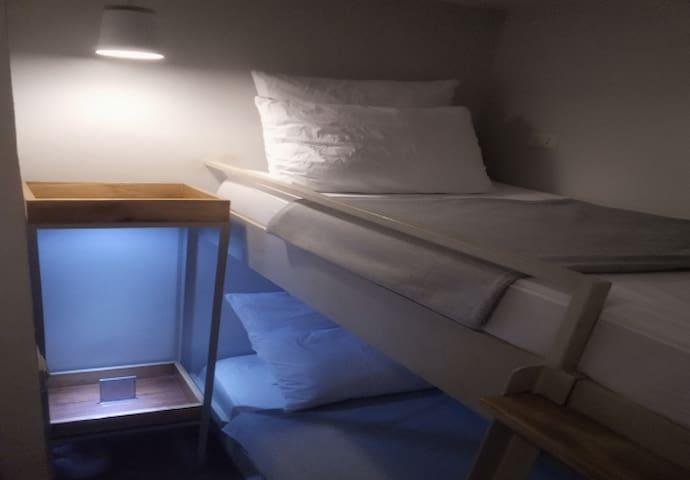 Standard Backpacker's room 3