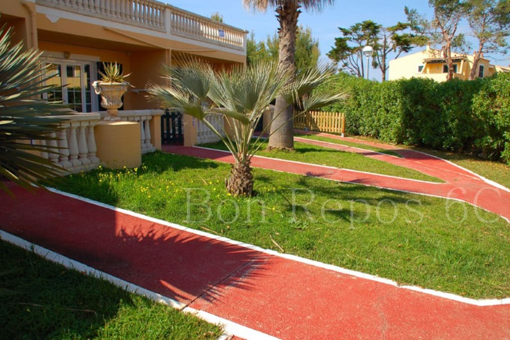 Bajo con piscina y jardin privado appartamenti in for Bajo con jardin majadahonda