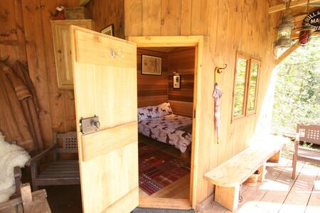 Entire Lodge at Chained Oak B&B - Alton - Alton - Bed & Breakfast