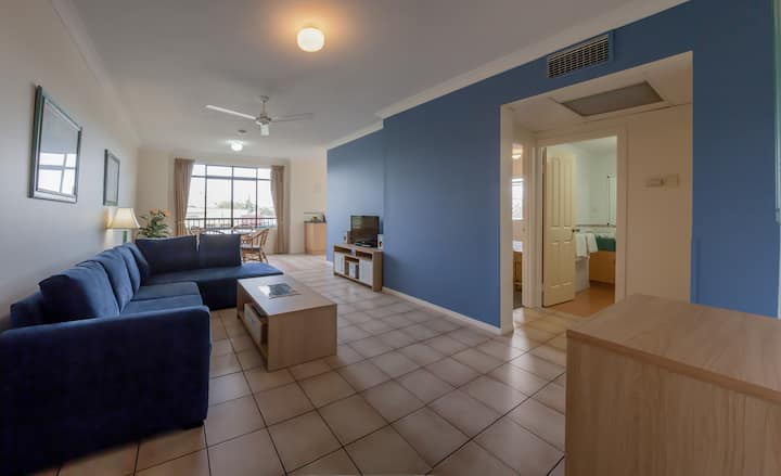 GREAT 1 BR APARTMENT- IN TOWN
