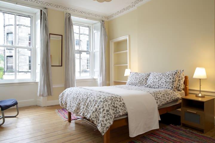 Bright spacious flat