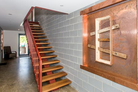 Yogyakarta inspired one-bedroom apt - Dickson - Apartment