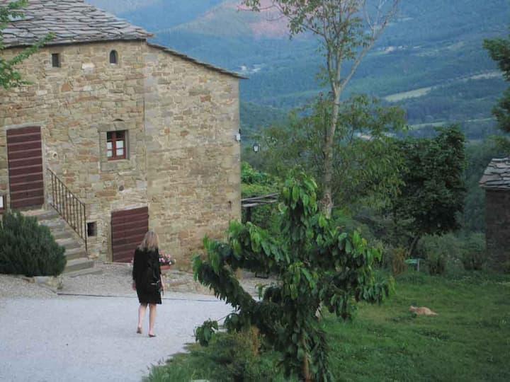 Tuscany home in restored hamlet