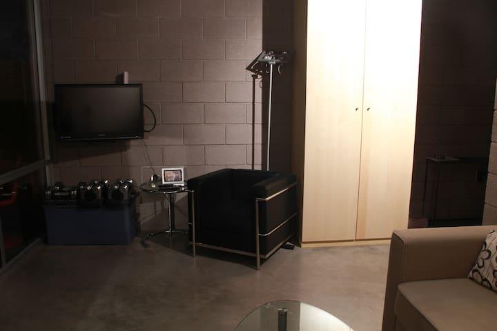 Corbusier LC2 chair