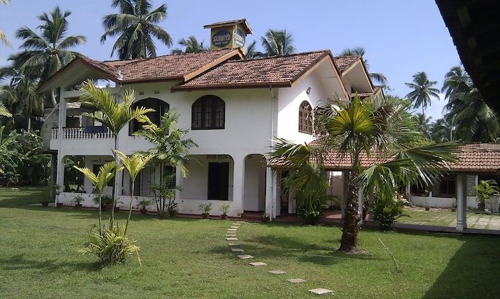 Sunny`s Guest House Akurala