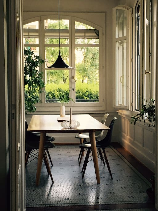 Dining room with lakeview
