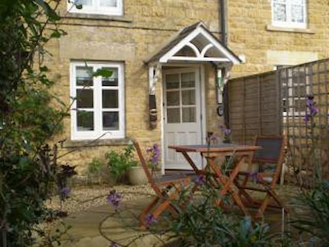 Tilly's Cottage, Bourton on the Water