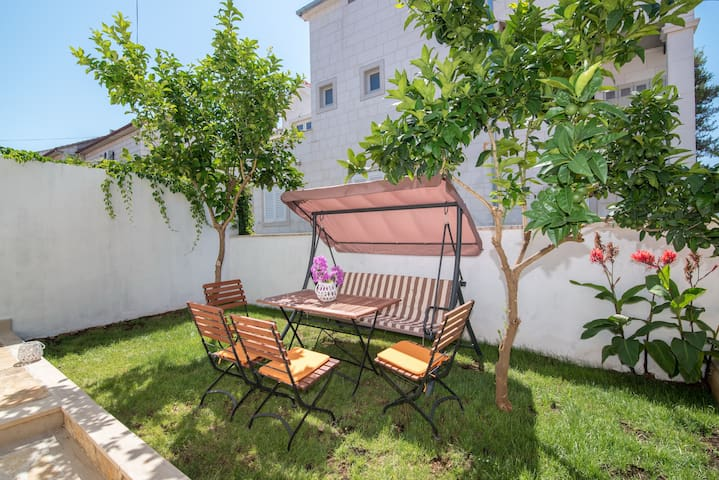 Apartment Dea- Two Bedroom with Garden Terrace - Mirca - Apartment