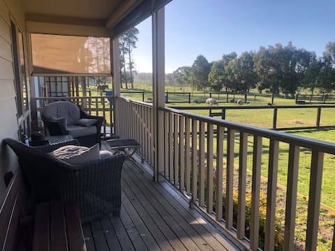 Mornington Peninsula Coastal Cottage Farm Stay