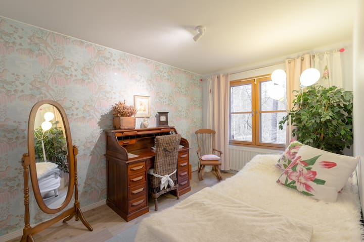 Lovely bedroom at the Baltic seashore in Espoo