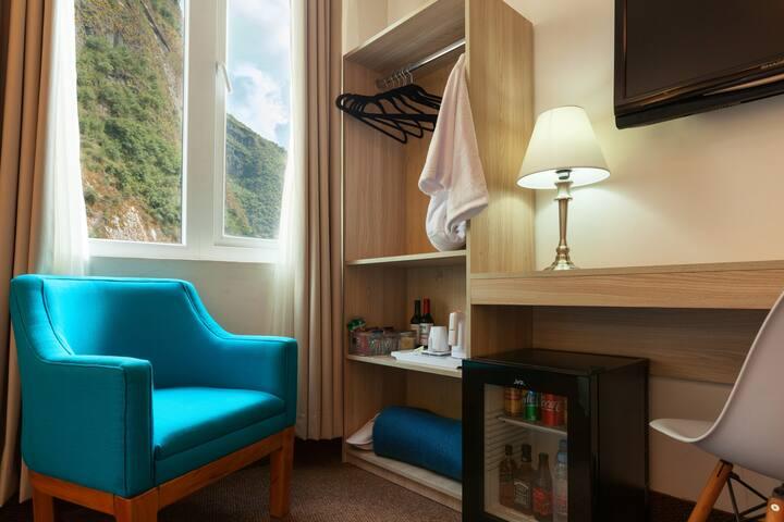 Vista, Minibar y mini sala