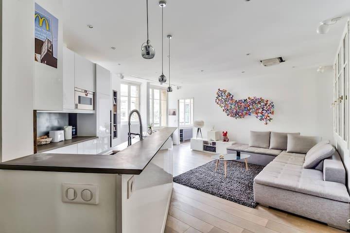 Modern & Bright Flat in Paris - Le Marais