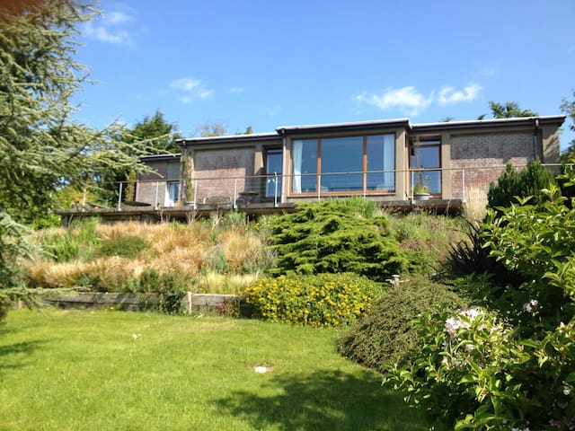 70's designed openplan with stunning coastal views - Gorey - Haus