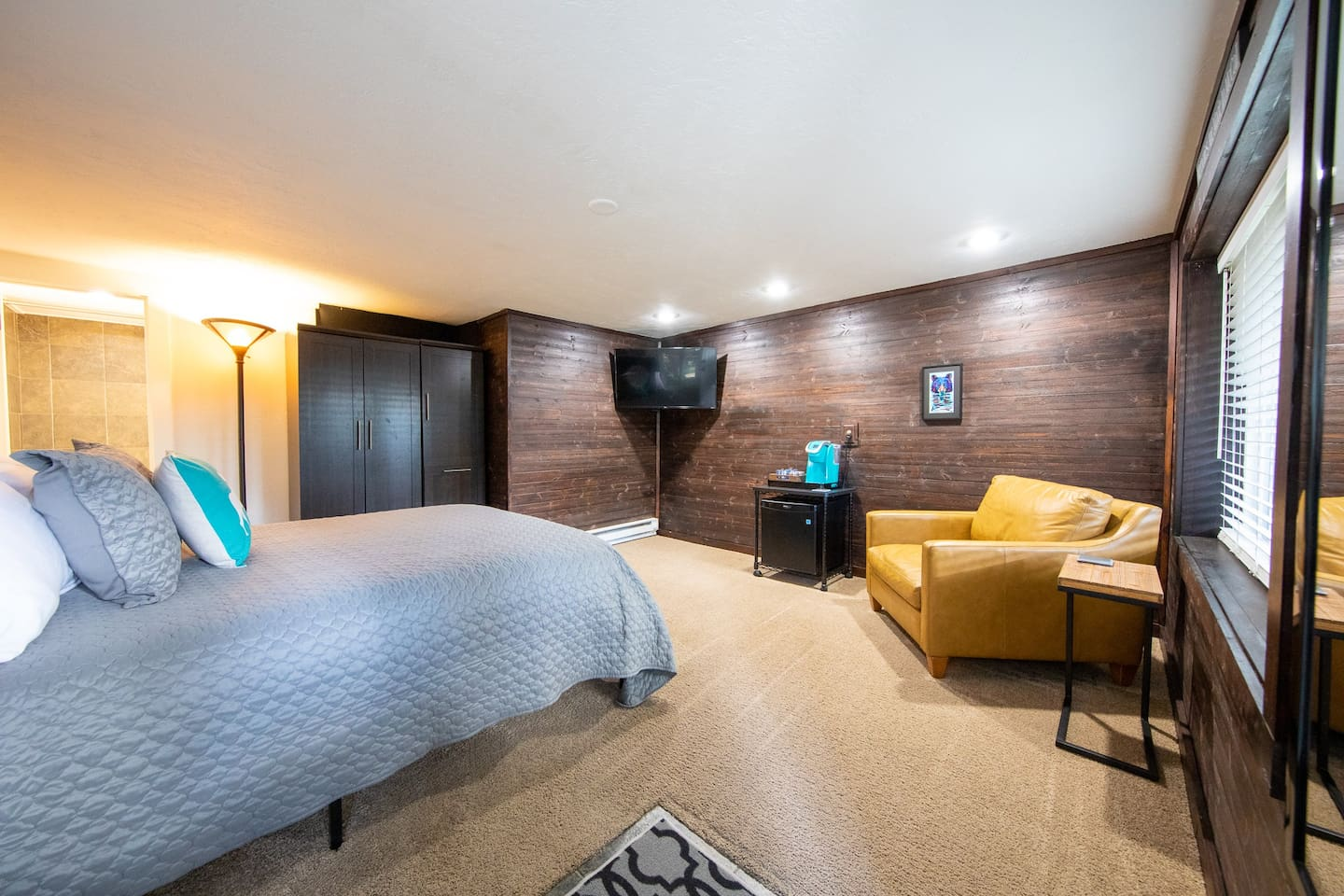 Guest suite with private entrance, private suite, and private bath. First floor walk-in basement suite.