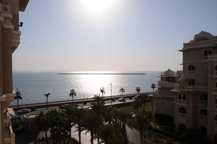 Palm Jumeirah | Amazing 2 BR | Sea View | Beach