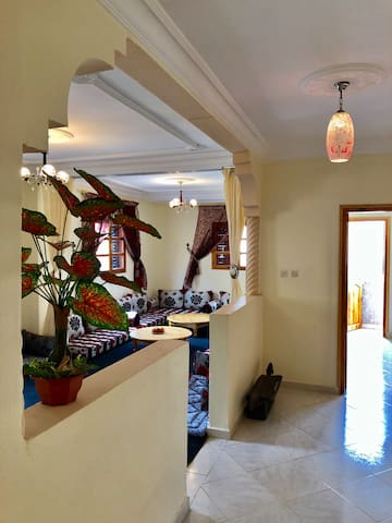 Beautiful spacious clean + bright 2 bed flat