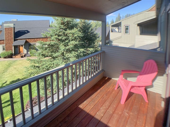 The Three Sisters 2 bdrm/2 bath home located in Pine Meadow Village next to the clubhouse with pool/hot tub