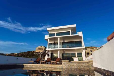 NEW DREAM BEACHFRONT HOME 10MIN FROM ROSARITO