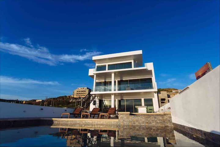 NEW DREAM BEACHFRONT HOME 10MIN FROM ROSARITO