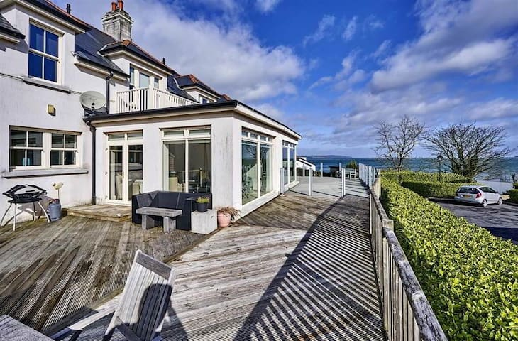 Belfast Beach House Superb Semi-Detached Villa