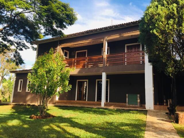 Villa de 5 mil m2 em Condomínio Fechado