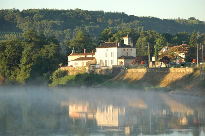 Le Bourg Sud, River Dordogne, Flaujagues, Gironde