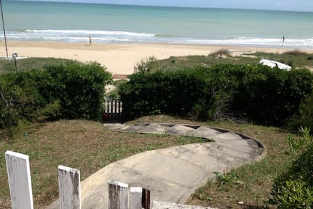 HomeInn Beach with direct access on the sea - Termoli - Apartament