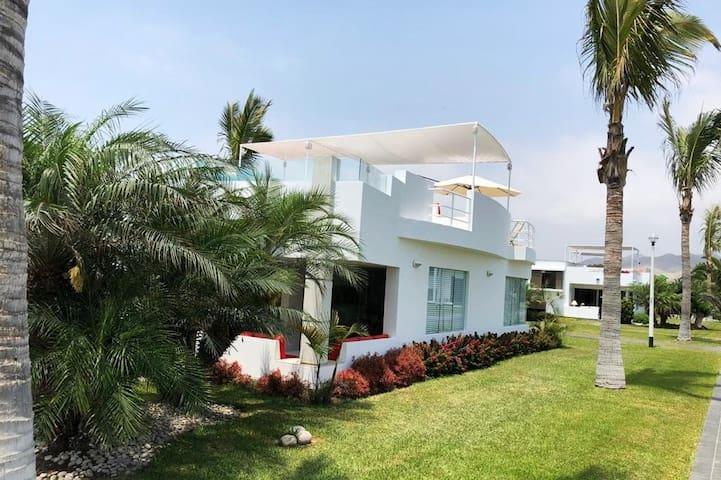 Casa de Playa en ASIA