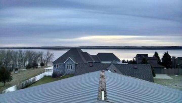 Beautiful Lake Mac House