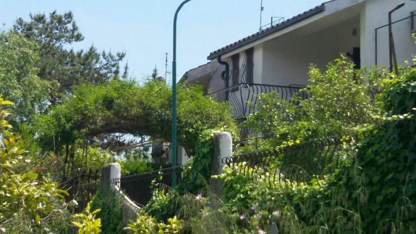 Villetta Parco Giona  Sant'Anastasia mare/piscina