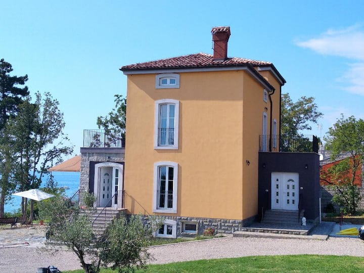 Muggia: apartment near sea