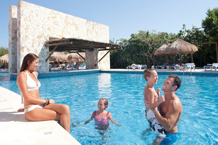 ALL INCLUSIVE 5* resort VIP extras near Cancun