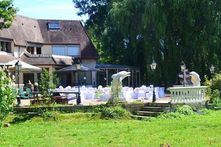 Espectacular villa con jardín