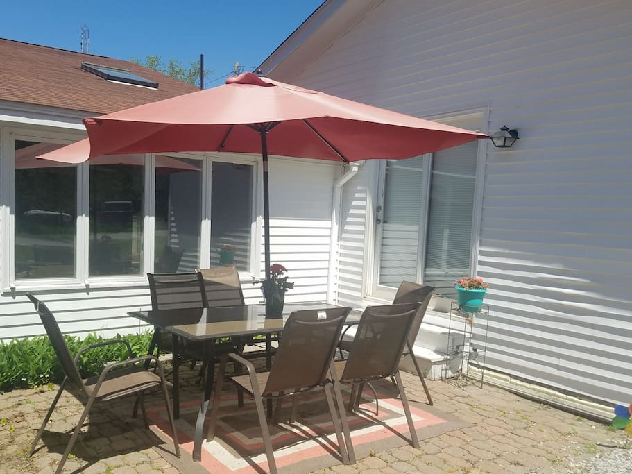 Front patio for your use