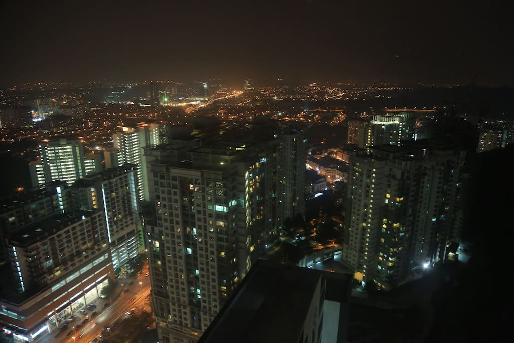 Night View From Empire Damansara Stay