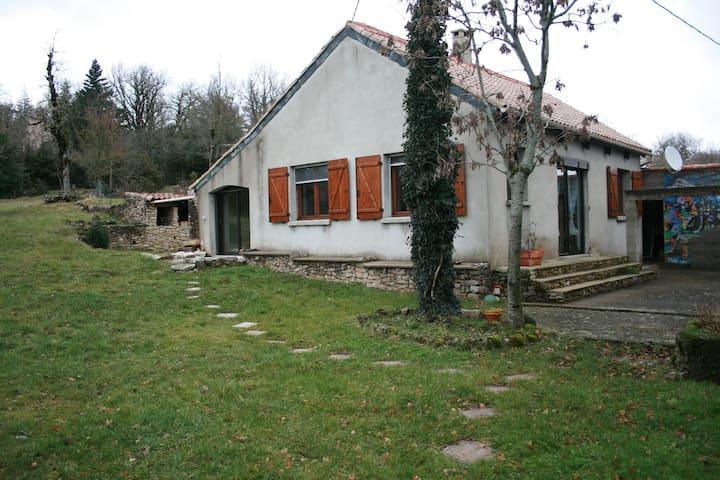 Location sur le Larzac à Cornus - Cornus - Huis