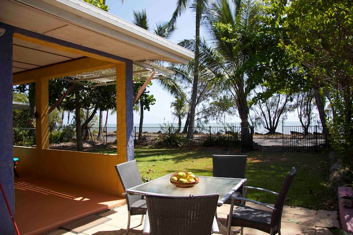Machans Beach House - Machans Beach