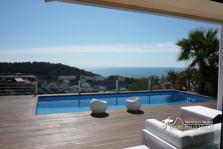 Super Villa Oasis Fab Sea & Sitges View with A/C