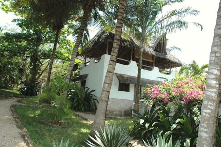 Twiga Cottage in Shambani - Diani Beach - Rumah