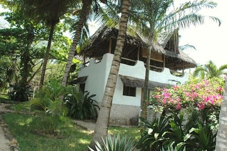 Twiga Cottage in Shambani - Diani Beach - Casa