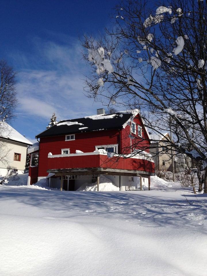Koselig hus sentralt i Tromsø