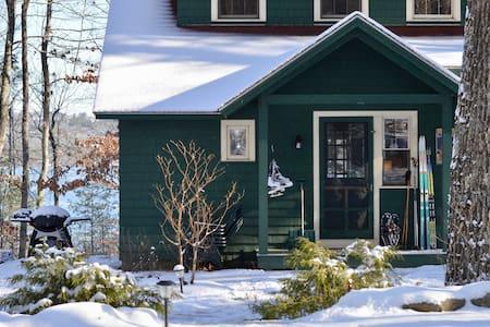 Winter Getaway - Idyllic Lakeside Cabin - Raymond