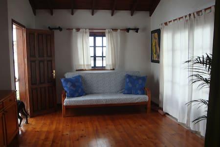 casa rustica con vistas - La Vegueta - Apartamento